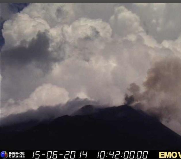 Aerei: dirottamenti dovuti a maltempo e attività vulcanica