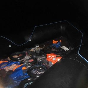 foto gommone con camere d'aria per salvagente