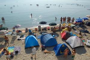 tende sulla spiaggia