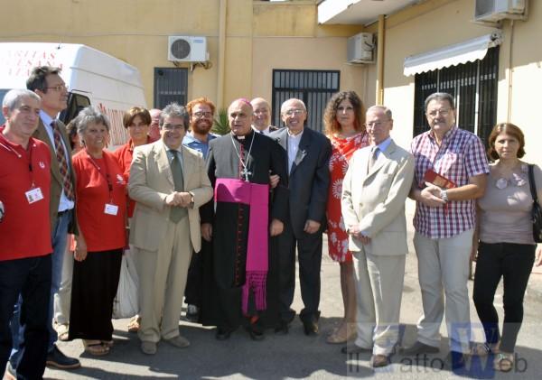 Inaugurata la nuova cucina della mensa Caritas grazie alle donazioni dei catanesi