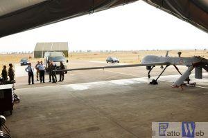 La visita all'hangar Predator
