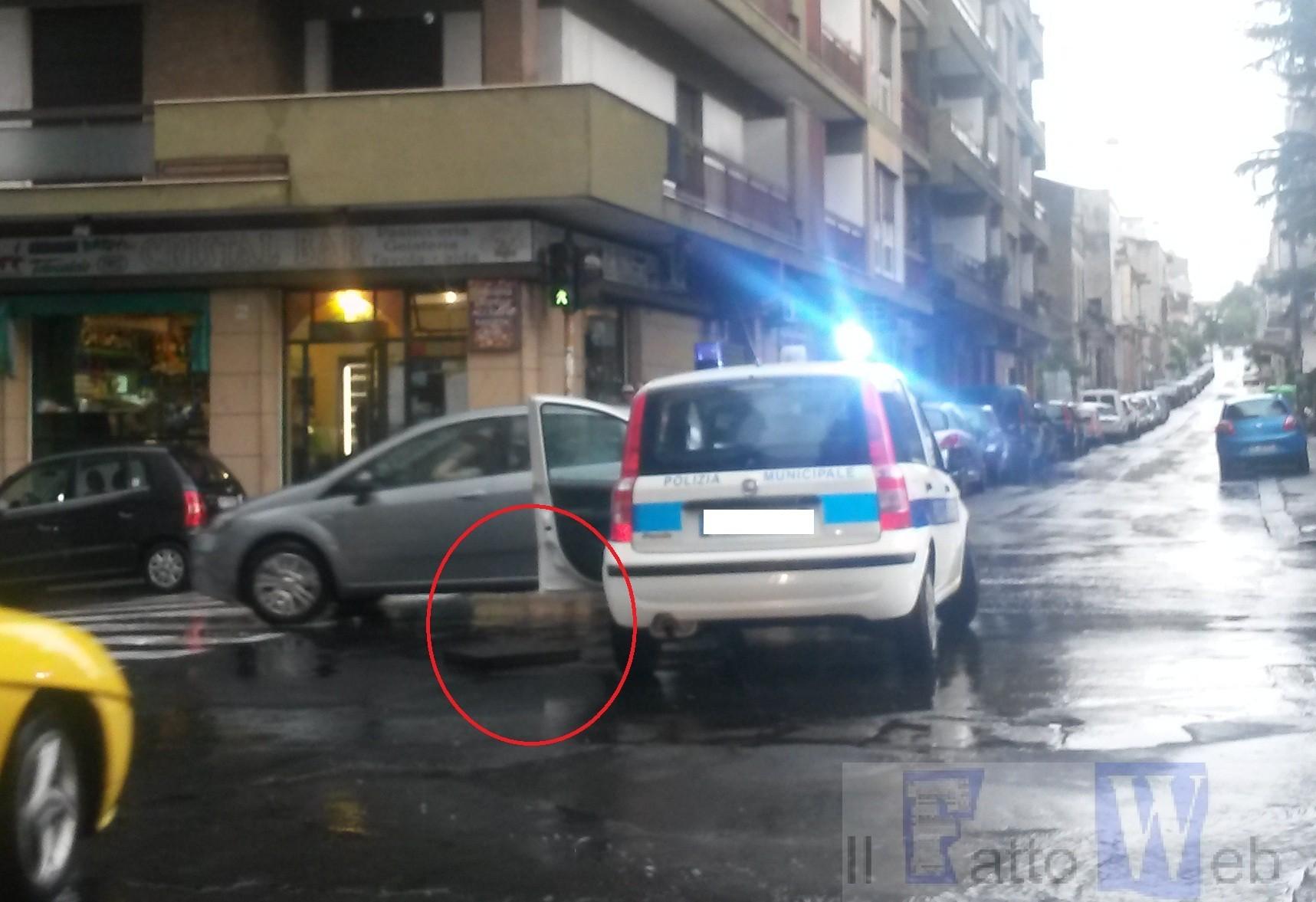 Catania: saltano i tombini alle prime piogge