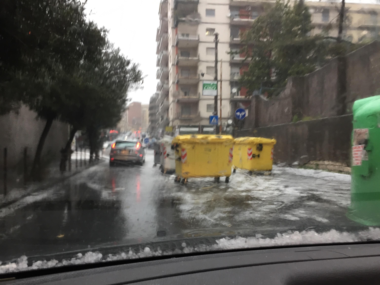Grandine e pioggia battente a Catania, traffico bloccato (Qui Tutte le Foto)