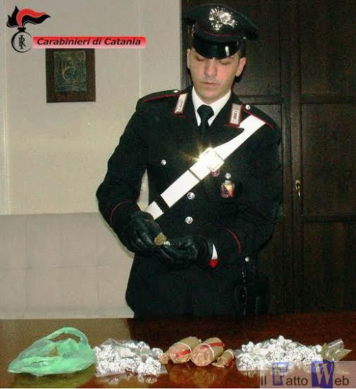 Blitz a San Giovanni Galermo: sequestrati  droga  e  4 candelotti artigianali