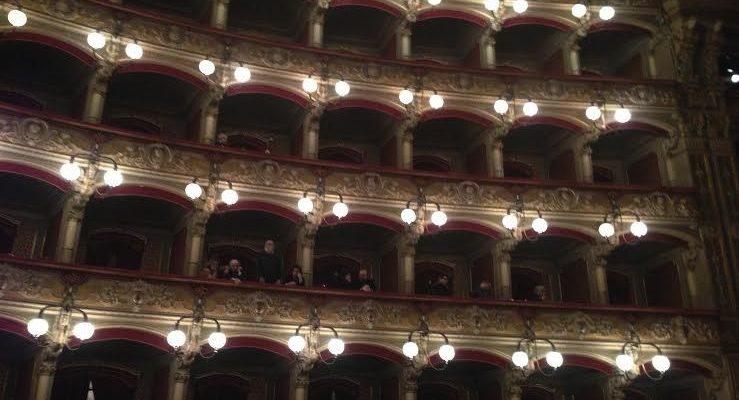 """I maestri d'orchestra del Teatro Bellini di Catania """"sfrattati"""" per il G7 ad accogliere i grandi potenti i colleghi della Scala di Milano"""