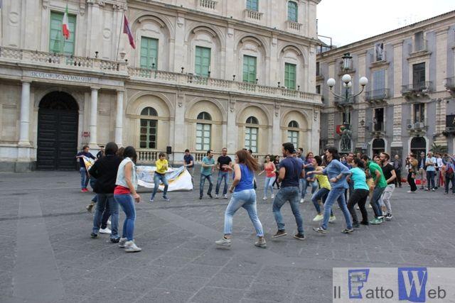 L'Accademia di Belle Arti di Catania scende in piazza a dar voce a chi non può e non ha la forza di parlare