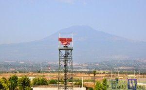 Sigonella Radar e l'etna in lontananza
