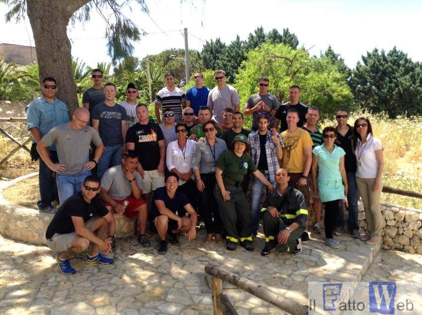 Marines di Sigonella e volontari locali riqualificano il Castello di Eurialo di Siracusa