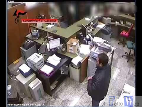 Aci Sant'Antonio (CT) Ferì cassiere durante la rapina in banca: Catanese identificato ed arrestato dai CC.