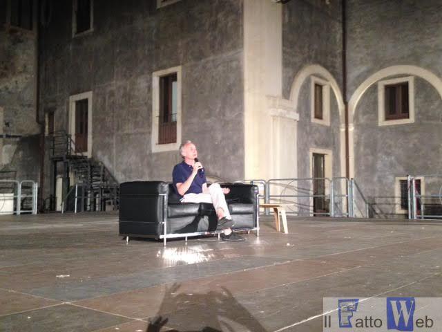 """""""Il Fatto Quotidiano""""  con Marco Travaglio e Peter Gomez fanno tappa a Catania"""