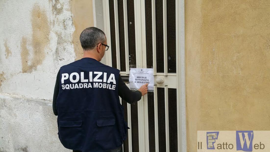 """A Ragusa la Polizia di Stato sequestra """"casa a luci rosse"""""""