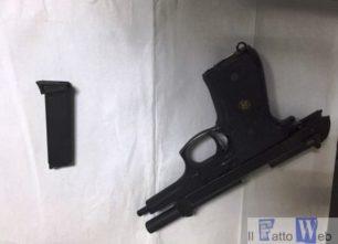 Aci Catena (CT): si spara ad una mano con l'arma modificata: Arrestato