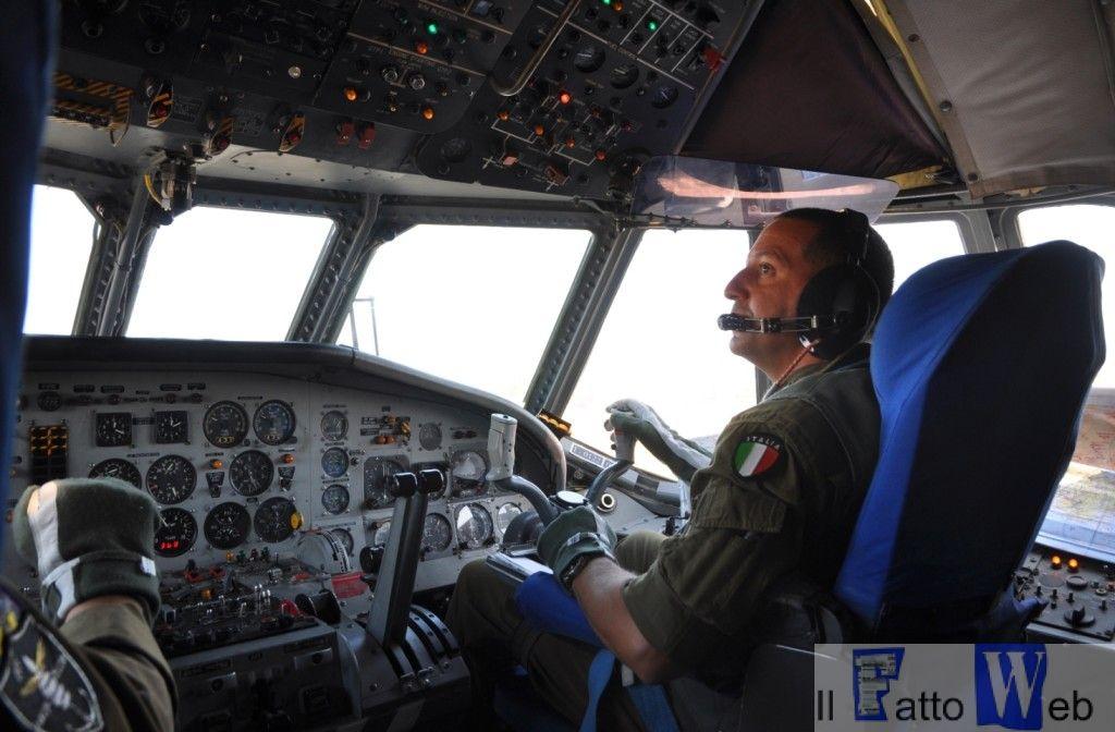 Pilota al suo posto sull'Atlantic