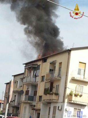Incendio in una mansarda in via Francesco Durante  Catania