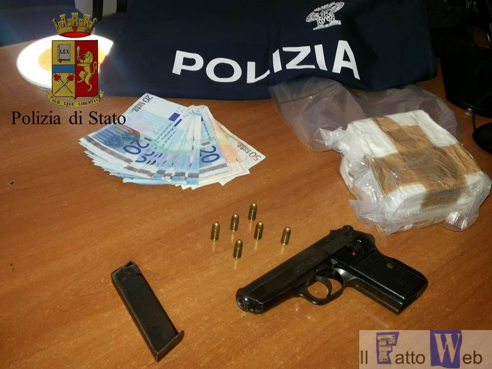 La Squadra Mobile sequestra cospicui quantitativi di droga e armi da fuoco