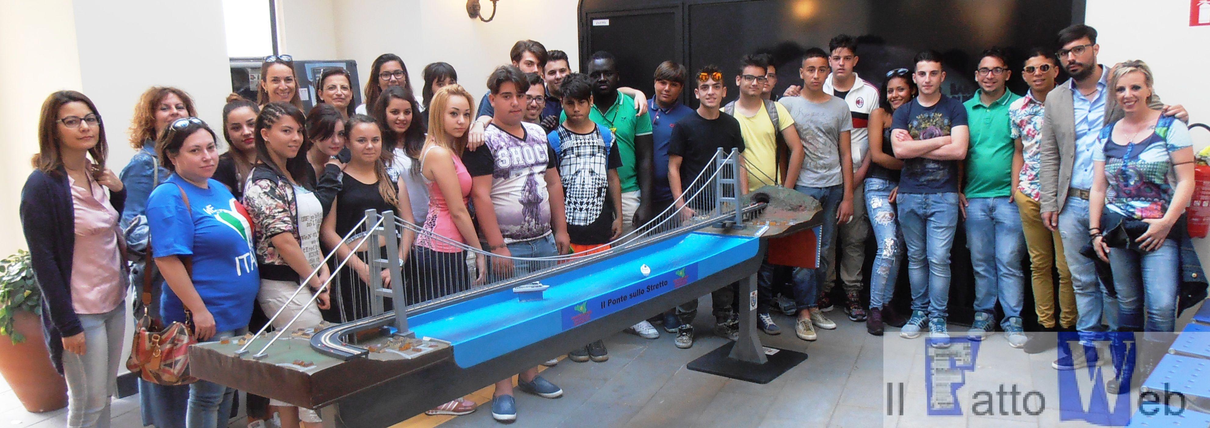 Studenti dell'Eris di Catania in visita al Polo Tattile Multimediale Borges della Stamperia Regionale Braille