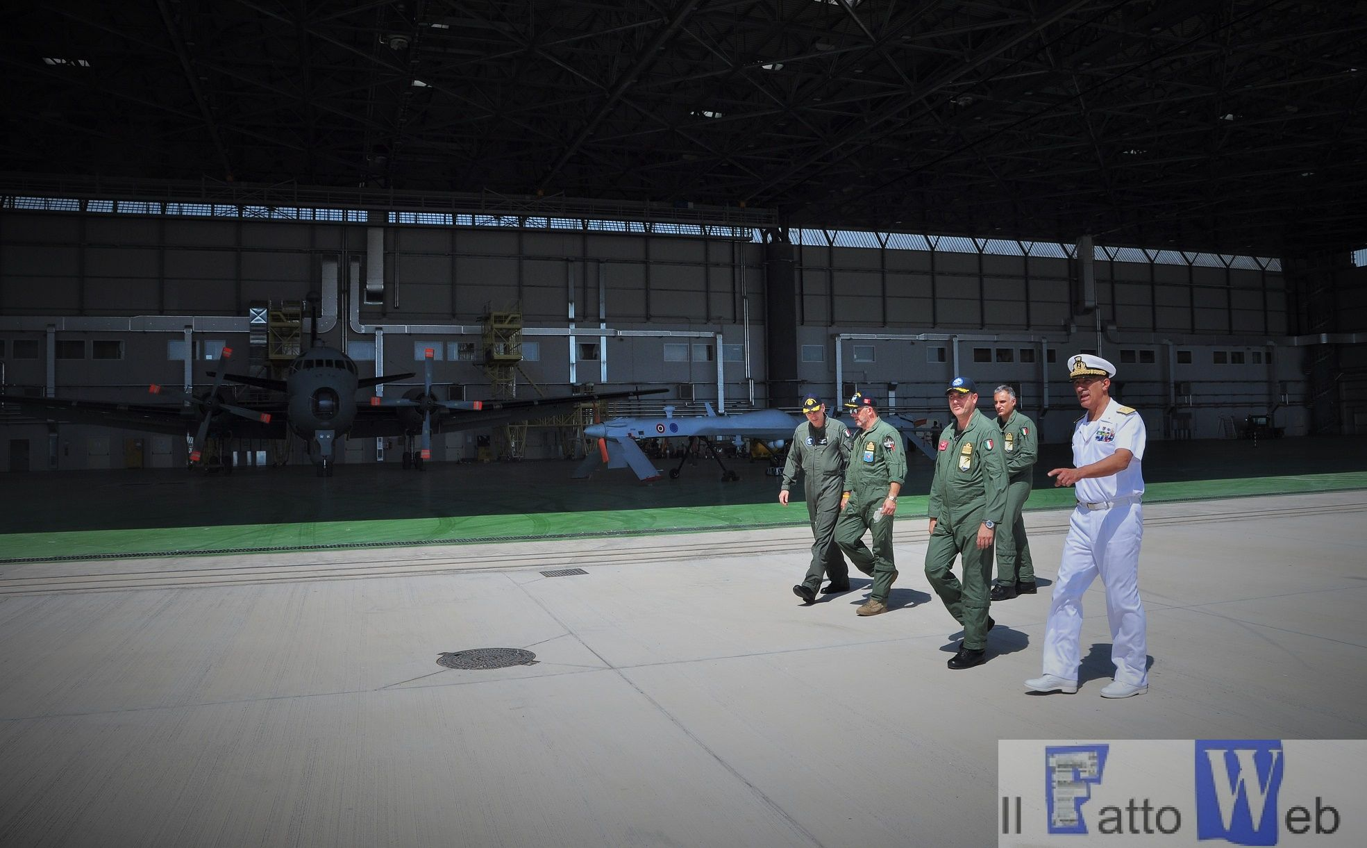 Momento della visita guidata all'Aeroporto (3) (1)