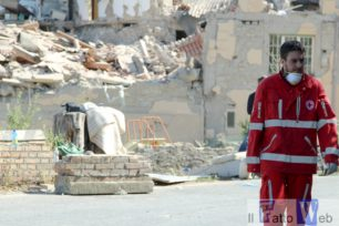 CROCE ROSSA ITALIANA CATANIA RACCOLTA MATERIALI POPOLAZIONI TERREMOTATE