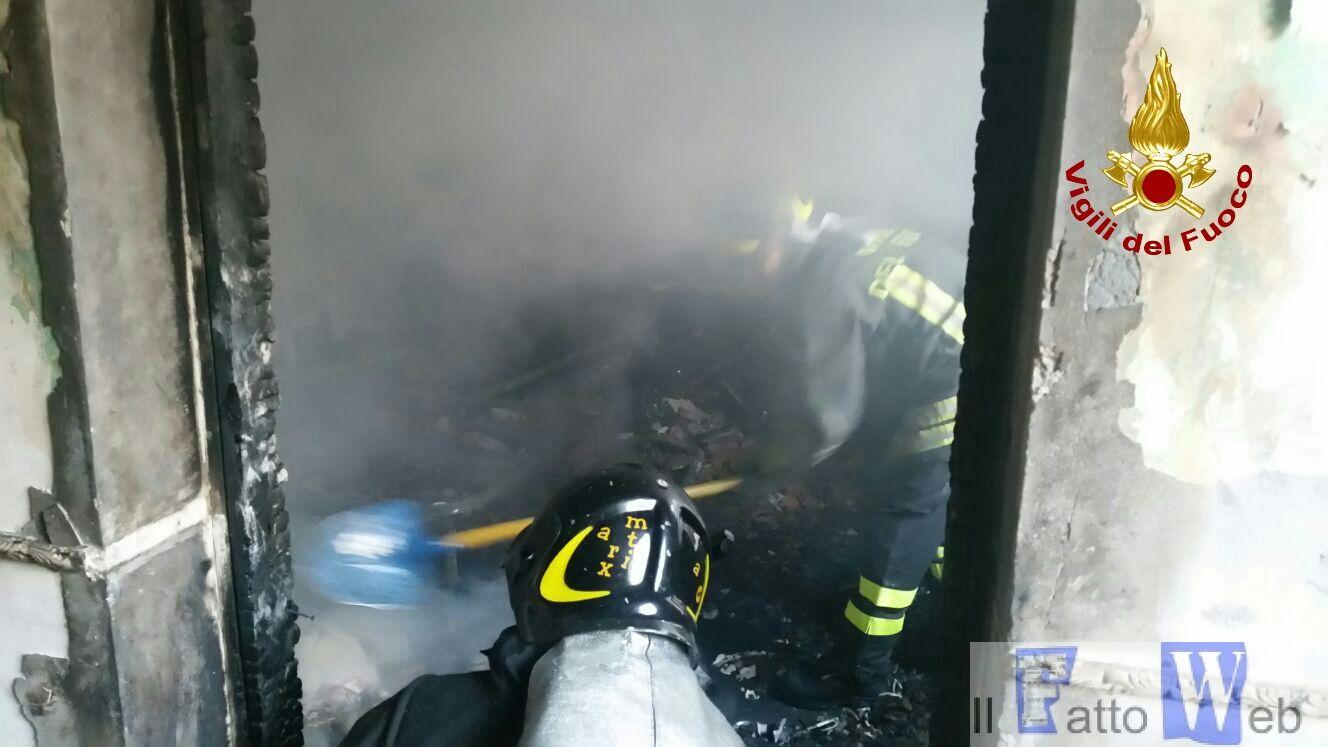 2016_09_27-incendio-abitazione-via-passarello_ct-3