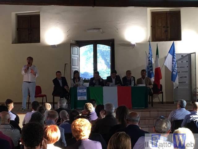 Fratelli d'Italia riunisce il centro-destra siciliano per il No. Prove tecniche di alleanza