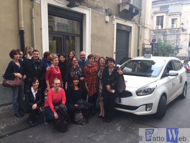 """Cgil Ct e Udi: #25novembre, via al """"Taxi rosso"""" anti violenza a Catania e Panchine rosse a Librino"""