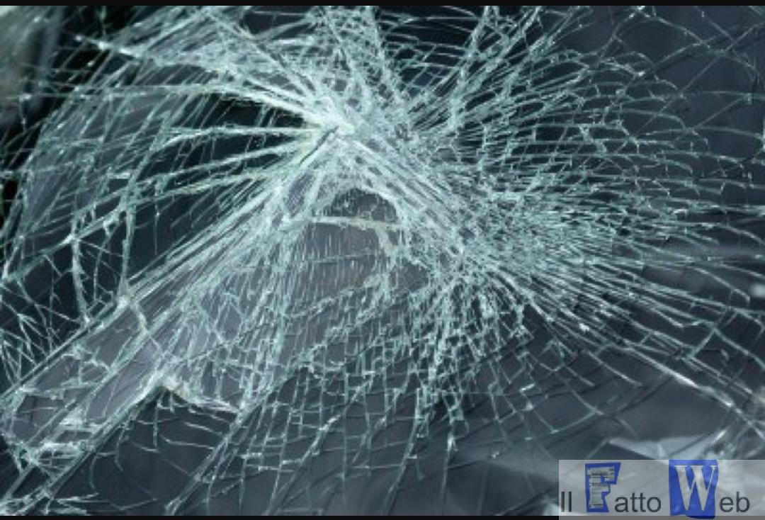 Catania : Marocchino scagliapietre contro macchine in transito, arrestato