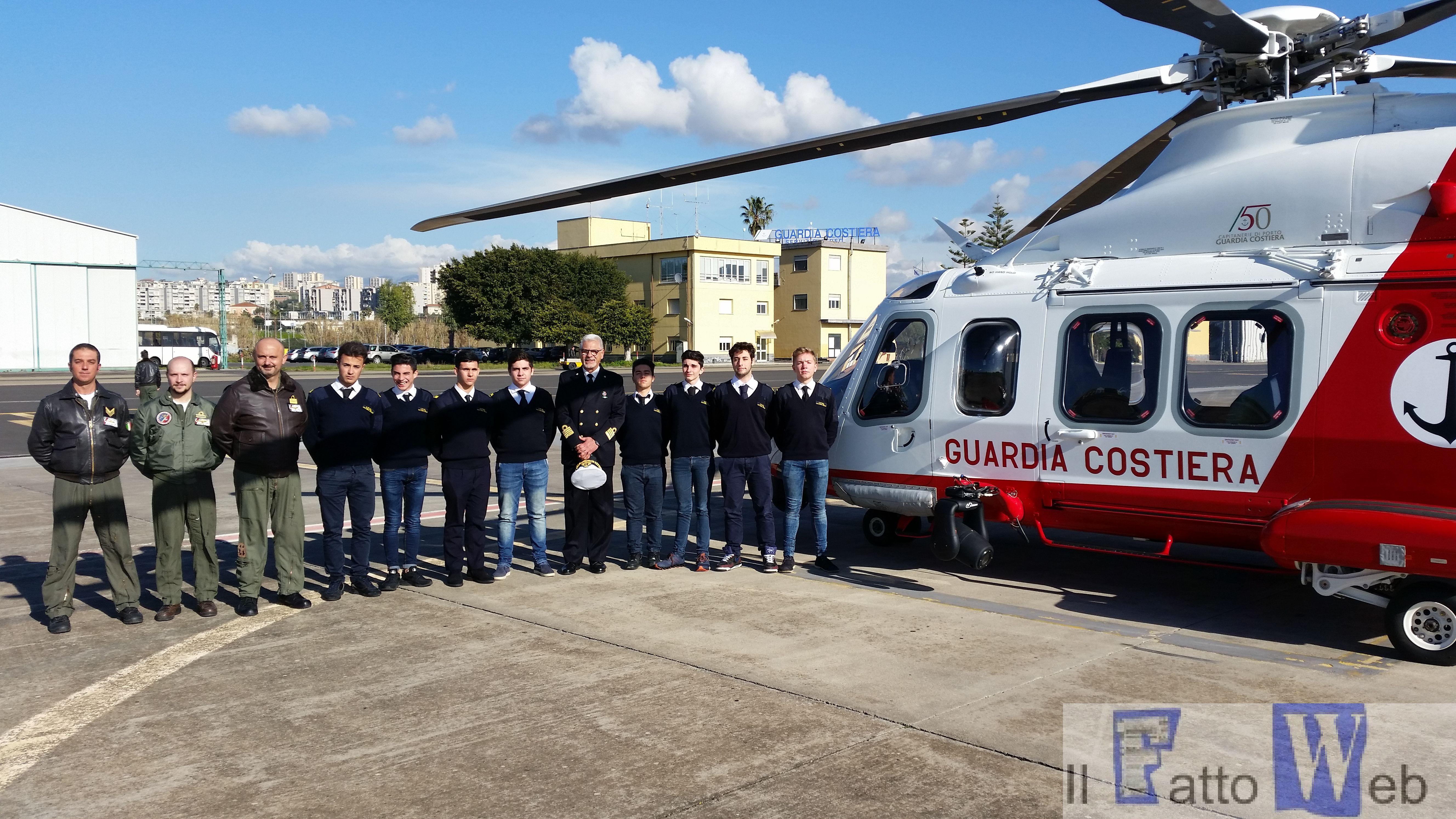"""Guardia Costiera : """"Alternanza Scuola–Lavoro"""" nei Reparti di Volo di Catania"""