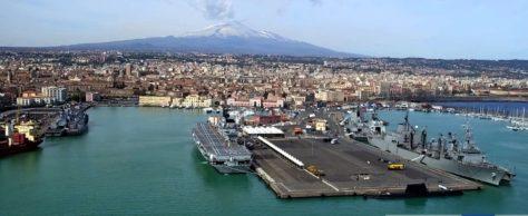 Sosta operativa al porto di Catania di otto navi militari NATO impegnate in una esercitazione nel Mediterraneo
