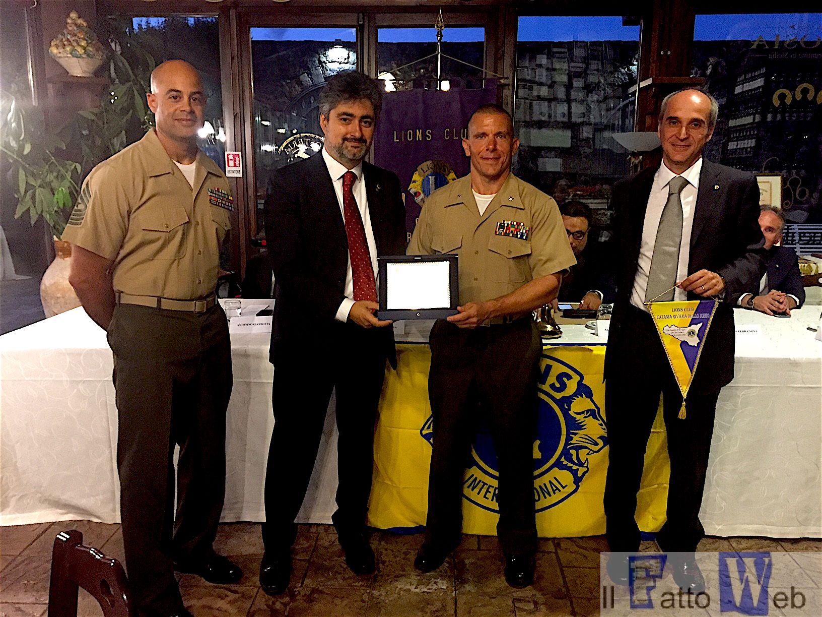 I Lions Catanesi premiano i Marines di Sigonella per l'impegno sociale
