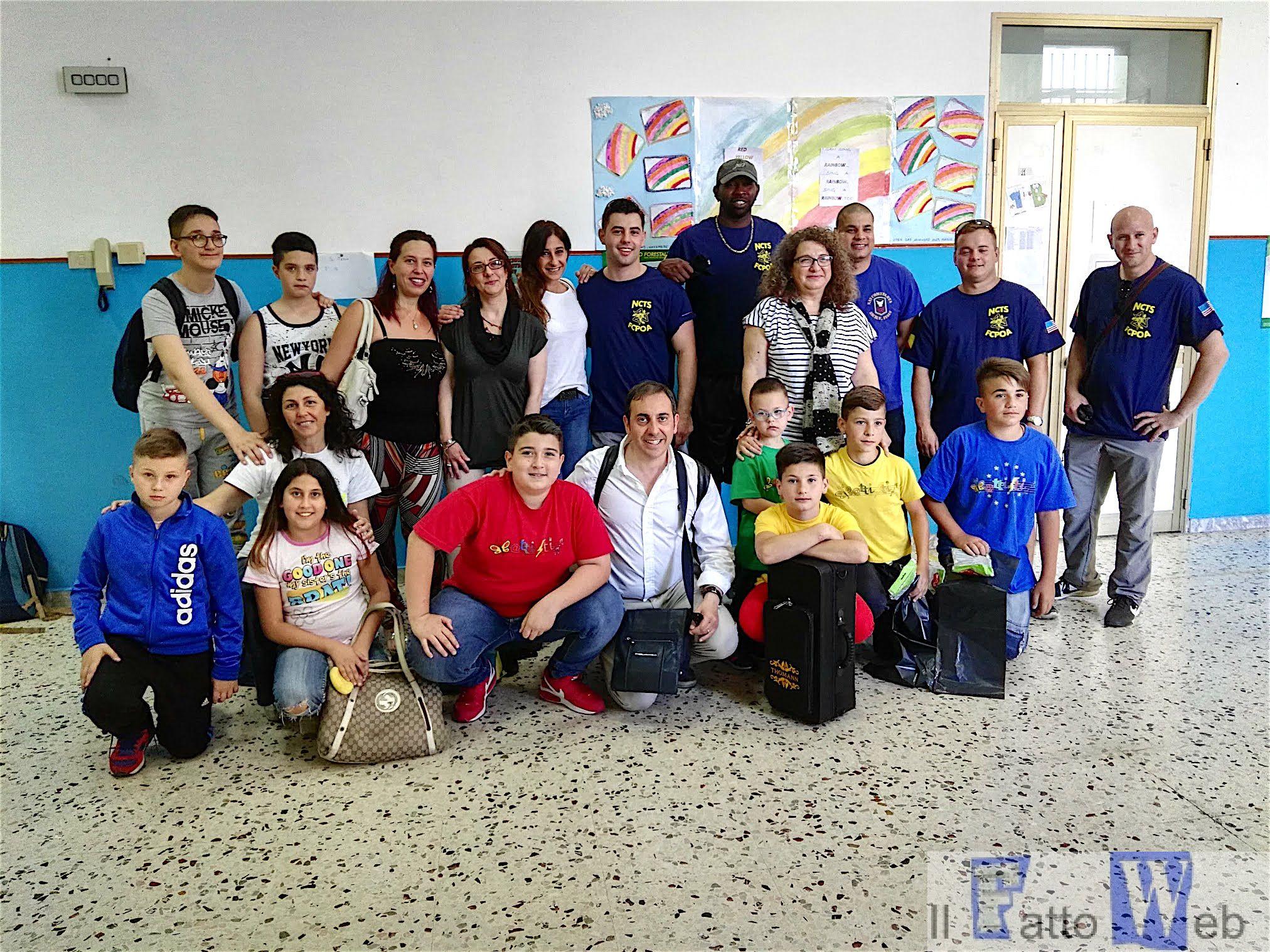 Militari americani di Sigonella dell'NCTS adottano la Scuola Battisti di San Cristoforo