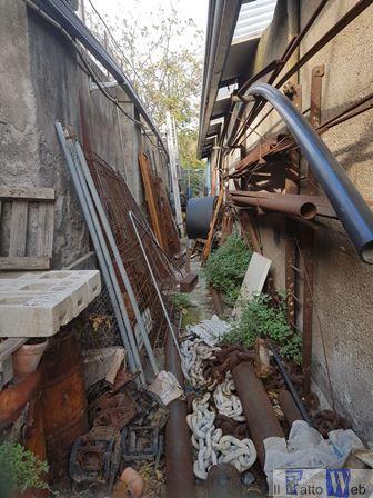 Porto di Catania la Polizia rileva in un cantiere la raccolta e gestione illegale di rifiuti