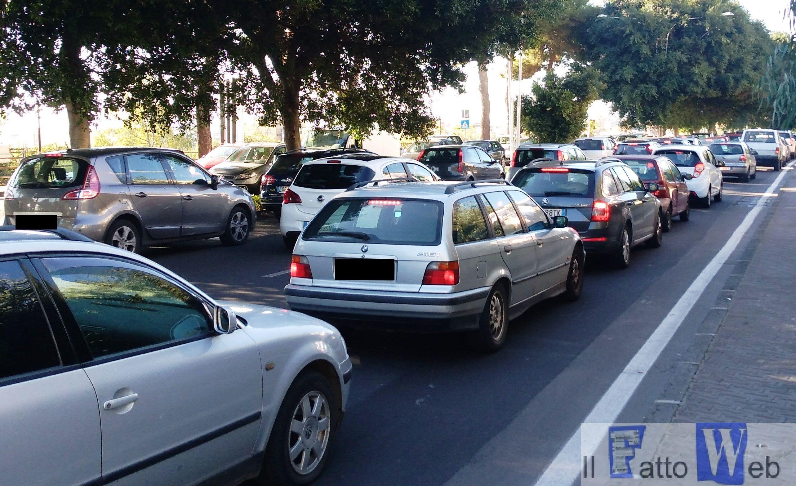 Rotonda chiusa e traffico nella IV municipalità.