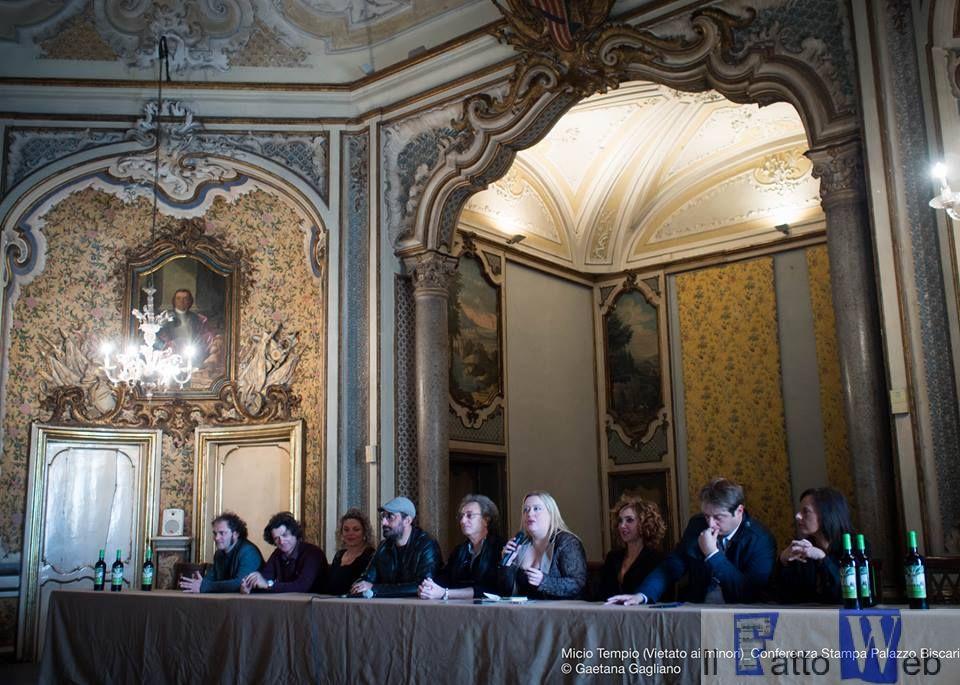 """Al Palazzo Biscari presentato il nuovo tour teatrale """"Micio Tempio Vietato ai Minori"""""""