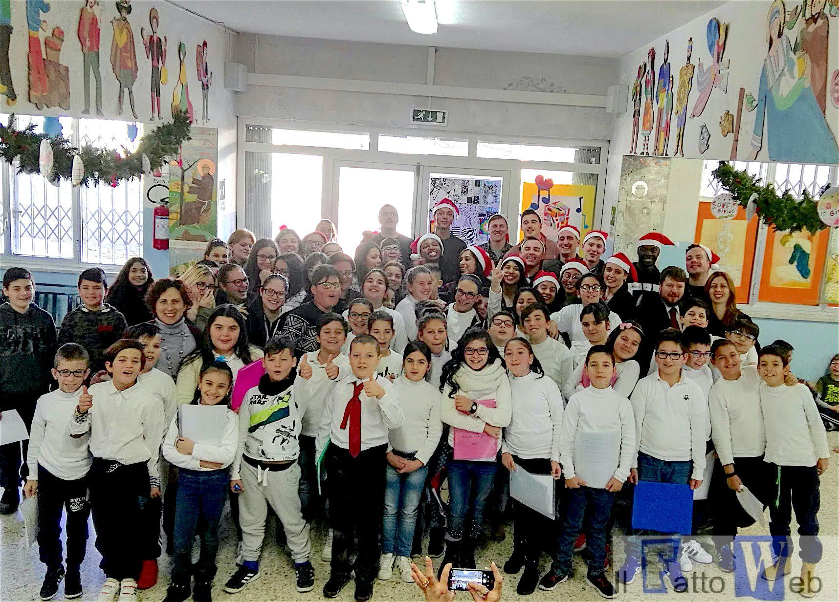 """""""Marines di Sigonella incontrano gli studenti dell'I.C. Coppola per condividere lo spirito del Natale"""""""