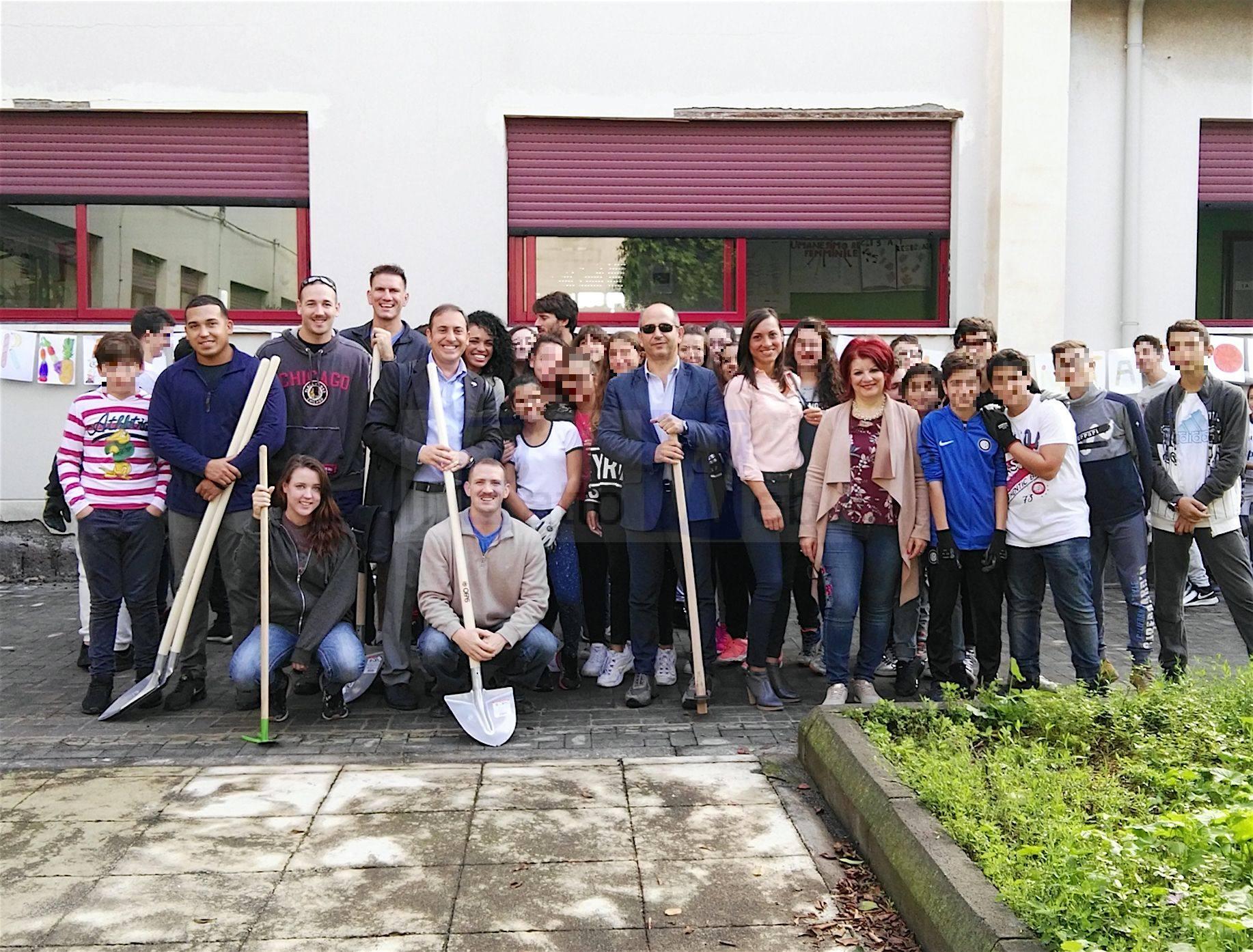Marines di Sigonella alla Scuola De Gasperi di Aci Sant'Antonio per la Giornata mondiale dell'alimentazione