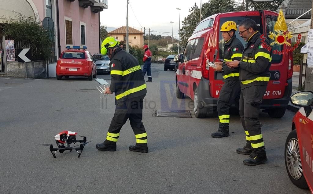 I Vigili del fuoco effettuano un sopralluogo con i droni presso la Chiesa Madonna del Carmelo a Pennisi