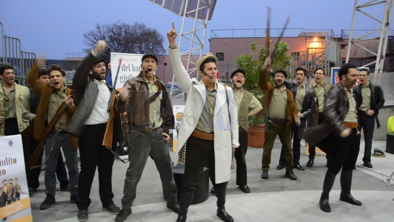 """Cresce l'attesa per lo spettacolo """"La vera storia del bandito Giuliano""""con uno speciale flashmob"""