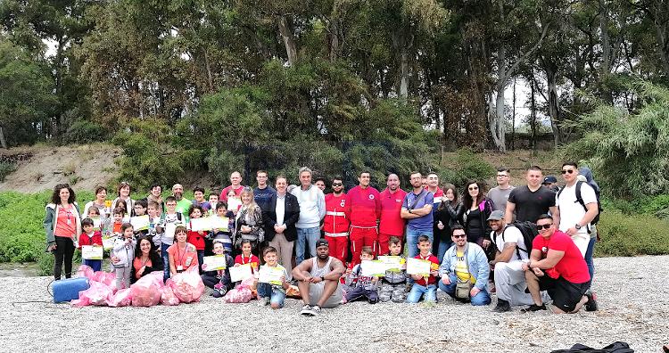 Volontari dell'Associazione Mutzu e militari di Sigonella insieme per l'Ambiente a Fiumefreddo