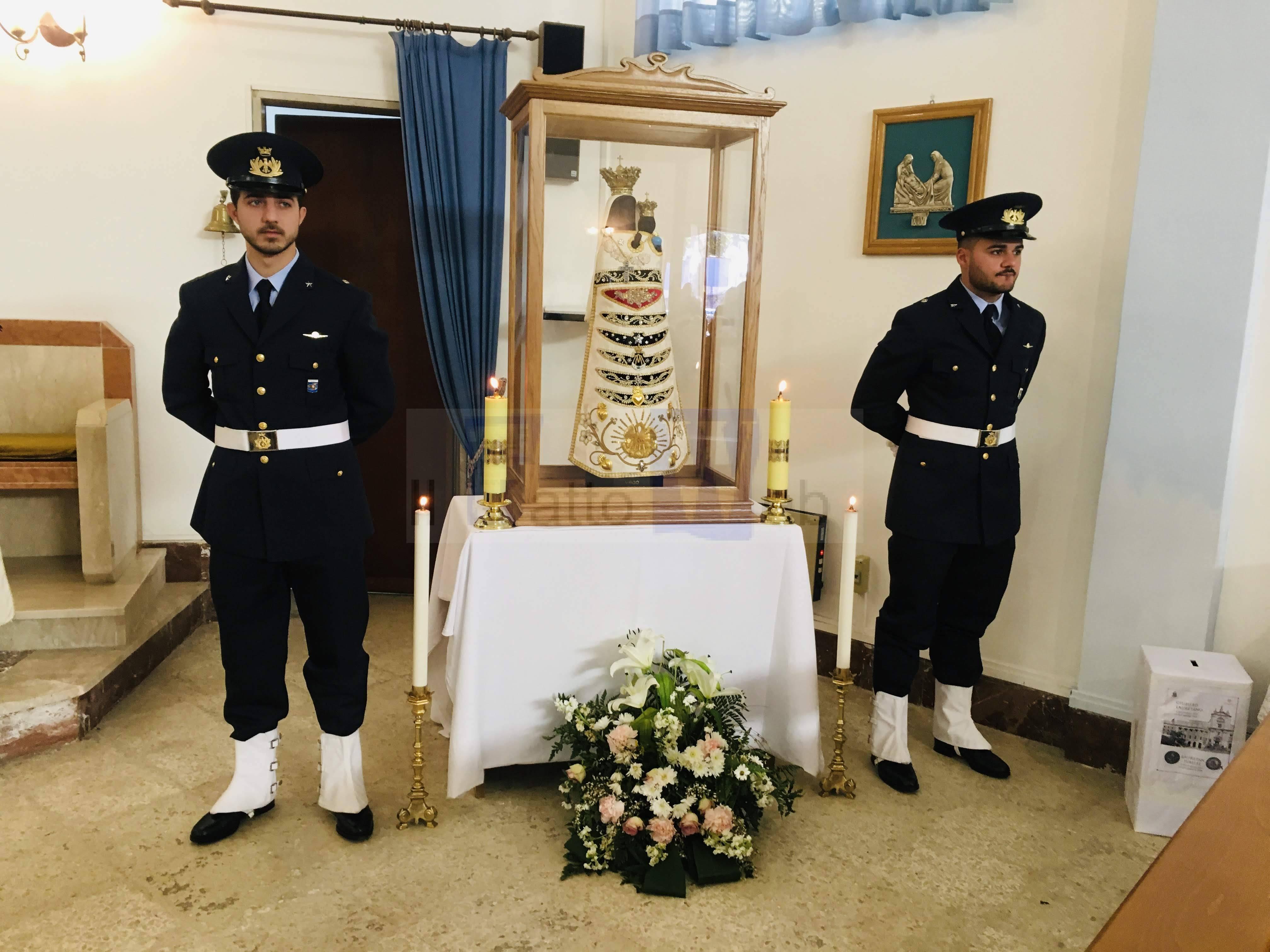 L'effigie della Madonna di Loreto, patrona degli Aviatori, in visita a Fontanarossa