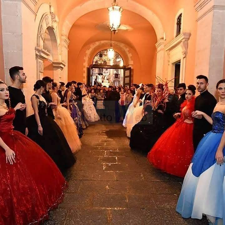 """Moda e devozione con""""Amare Agata"""" la XVIII mostra di abiti e costumi per omaggiareSant'Agata"""