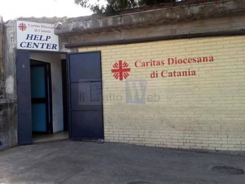 Coronavirus, assessore Lombardo rimedia a chiusura help center Caritas per pasti quotidiani ai senza tetto