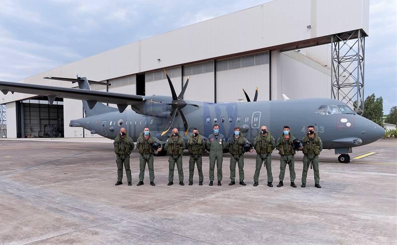 """Ricognizione e sorveglianza: concluso a Sigonella il primo corso """"Operatore Tecnico di Bordo"""" su P-72A"""
