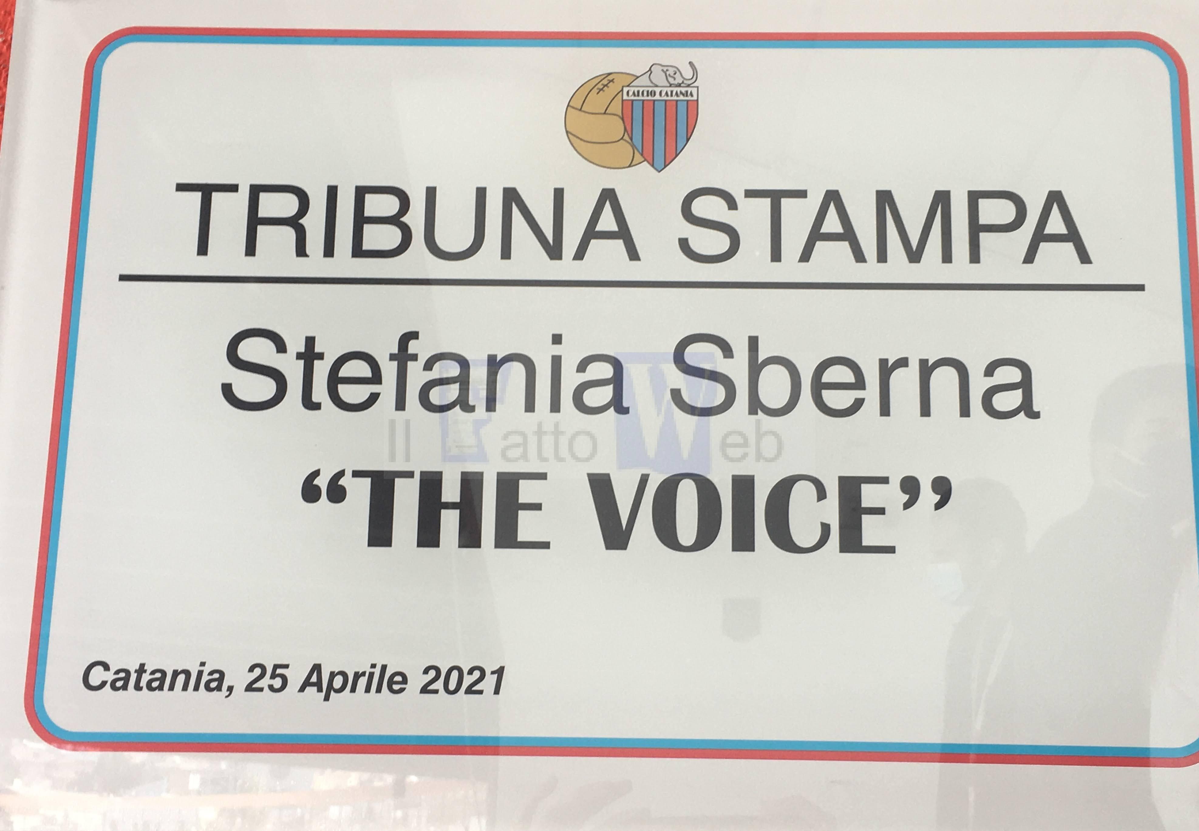 """La Tribuna Stampa dello stadio Angelo Massimino intitolata a Stefania Sberna """"The voice"""""""