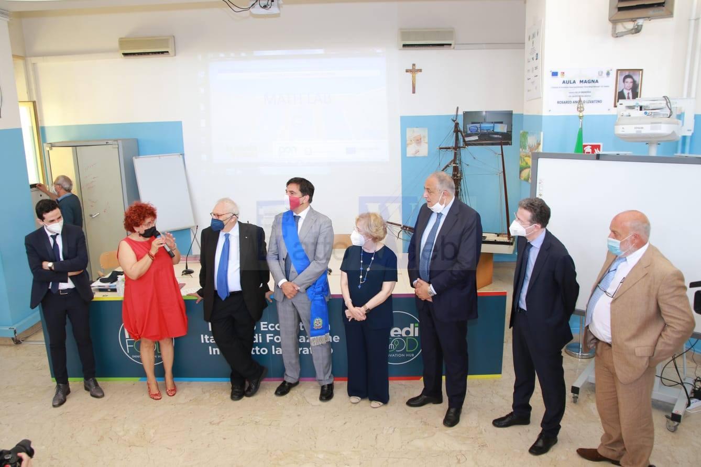 G20 Catania, il Ministro Bianchi visita l'istituto tecnico Nautico