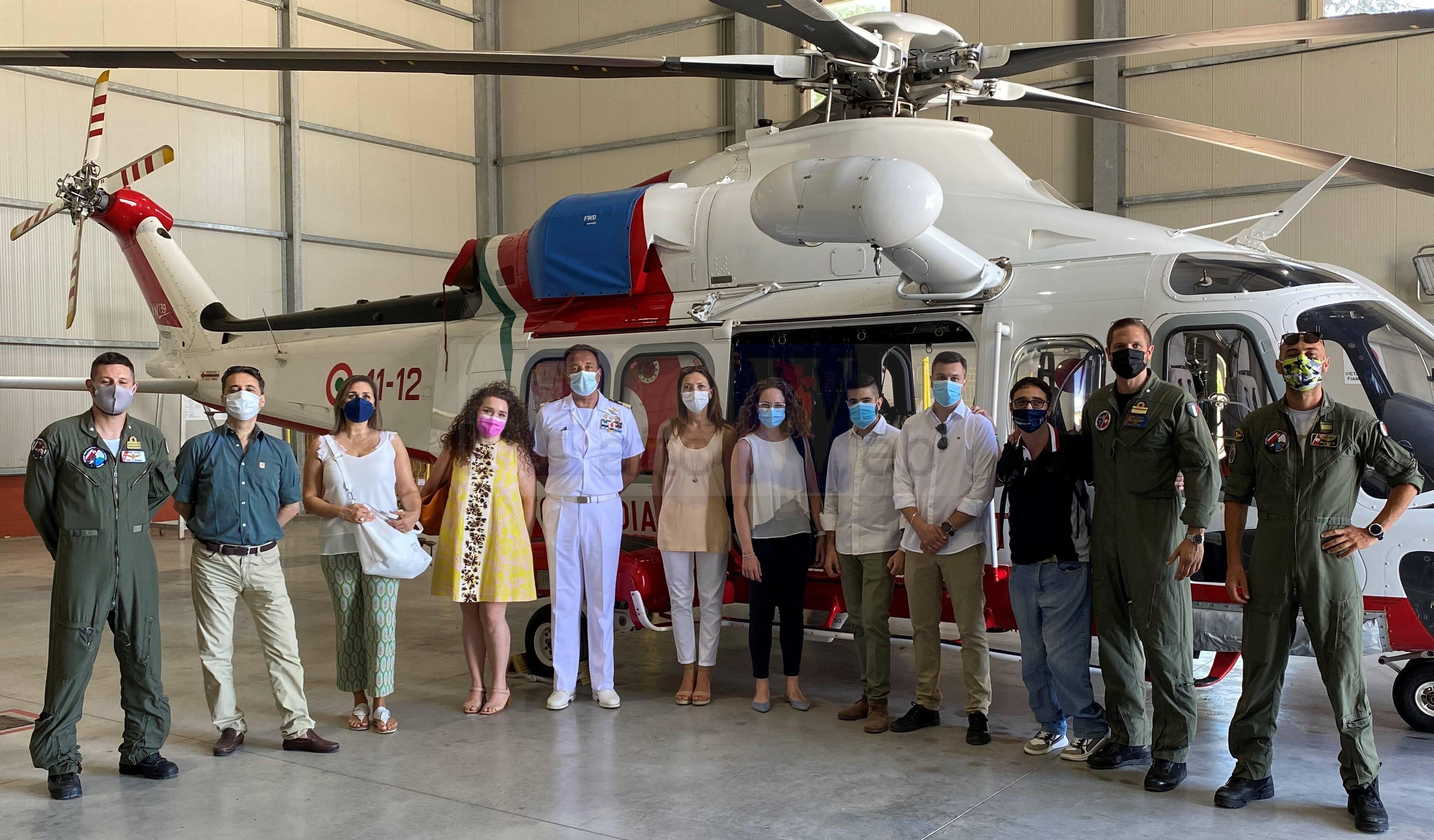 Pescara: Gli studenti del Master in Diritto ed Economia del Mare in visita alla Base Aeromobili